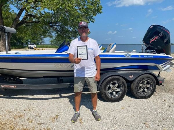 Mike Valentine winner of the July 24 Truman Lake Crappie Series.