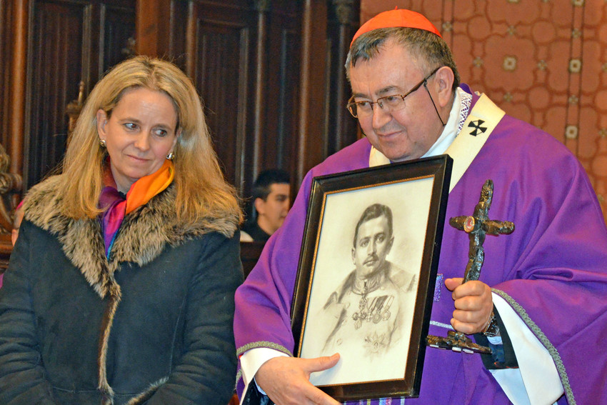 Cardinal Vinko Puljic, president of the bishops' conference of Bosnia-Herzegovina, holds a relic and picture of Emperor Charles I of Austria during a March 8 assembly in Sarajevo, Bosnia-Herzegovina. The emperor was beatified by Pope John Paul II in 2004.