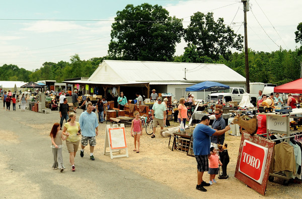 A large roadside blacktopped area south of Adairsville serves as one of the many vendor locations along the Dixie Highway 90-Mile Yard Sale.