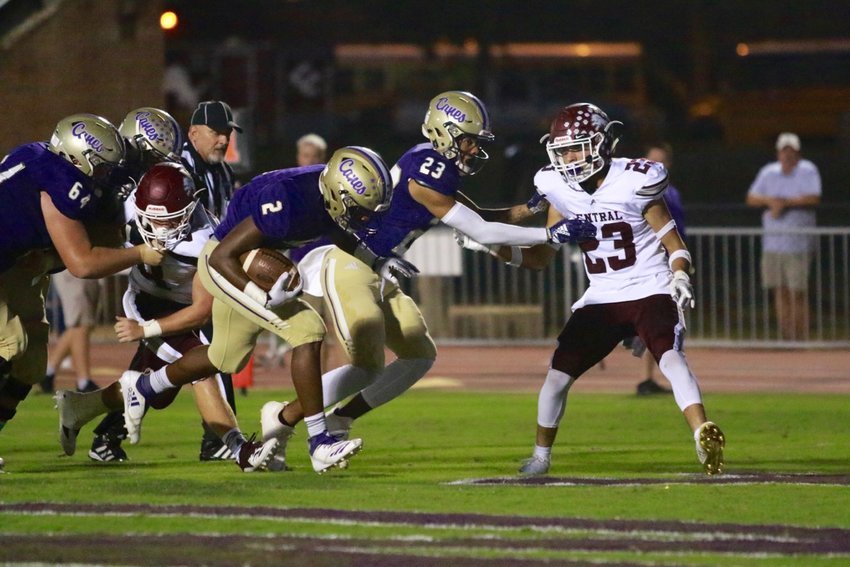 Cartersville sophomore running back Quante Jennings scores one of his three touchdowns Friday against Central-Carroll at Weinman Stadium.