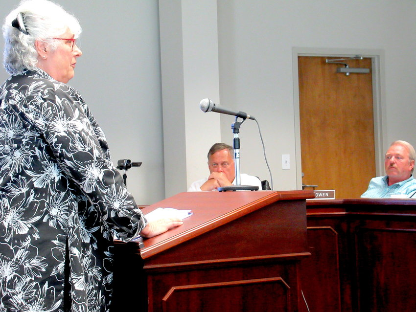 Acworth resident Peggy Martin speaks in favor of the proposed Allatoona Overlay District at Monday evening's Bartow County Planning Commission meeting.