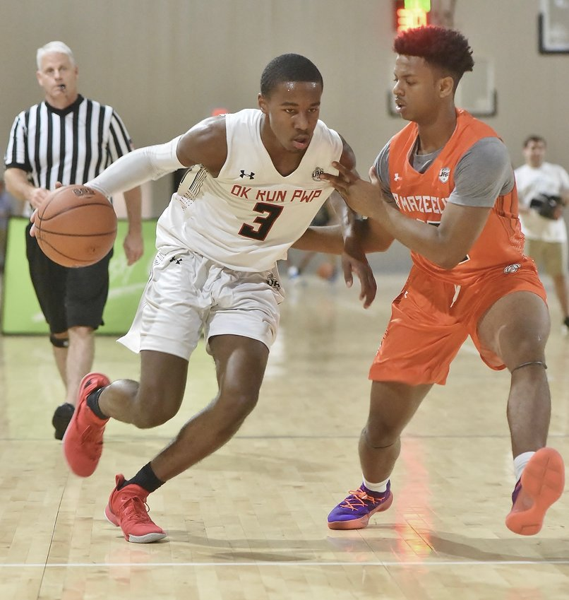 Bryce Thompson of Oklahoma Run PWP drives towards the basket during an Under Armour Association game against B. Maze Elite on Thursday at LakePoint. Thompson is a five-star recruit and the No. 20 player in the Class of 2020, according to 247Sports' composite ranking.