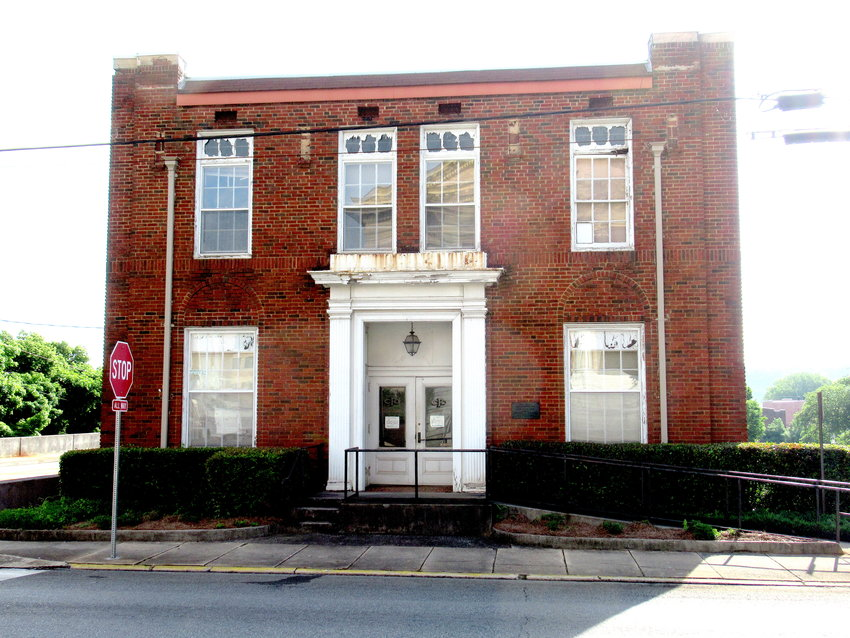 The Cartersville City Council voted unanimously July 18 to approve a $14,000 contract with Alpha Omega Engineering to perform structural engineering consultation services on the old fire department station at 19 North Erwin St.