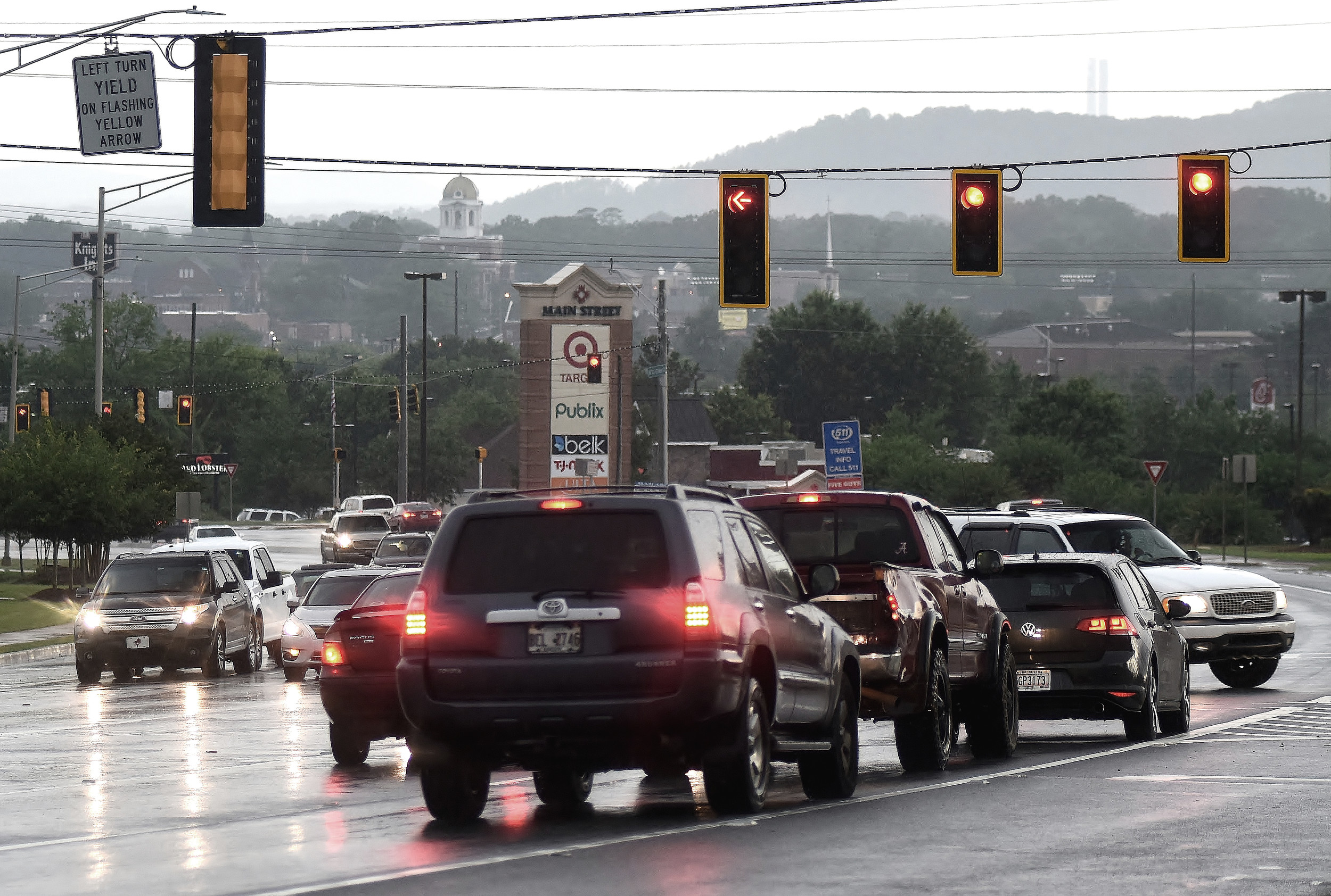 Lights Out. As The Result Of The Storm That Passed Through The Cartersville  Area Monday Evening, Traffic