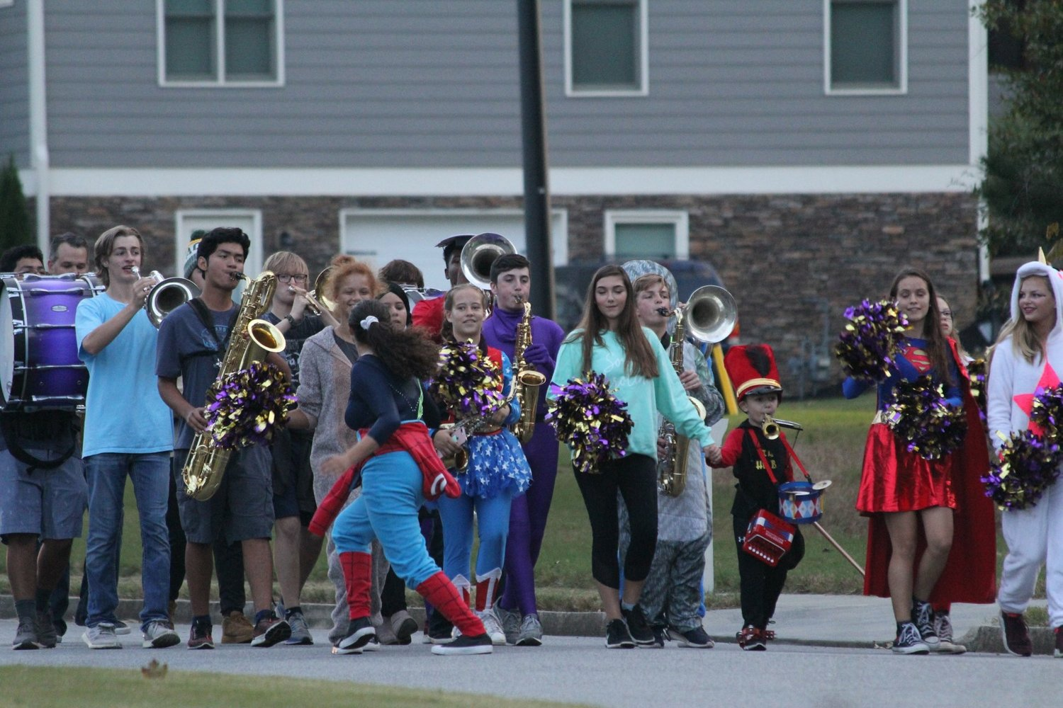 Halloween Cartersville Ga 2020 CHS marching band members give 4 year old a Halloween to remember