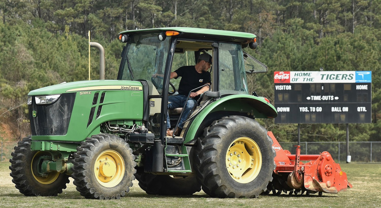 Adairsville turf replacement project begins | The Daily