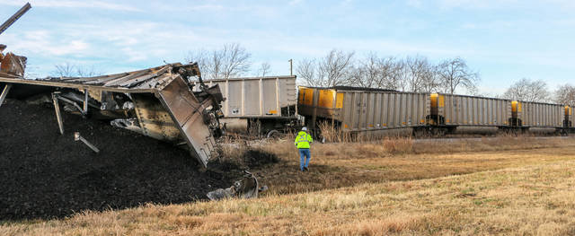 Kiamichi Railroad workers were on the scene this morning after train cars derailed at Bokchito. No one was injured and the cause of the accident is under investigation.