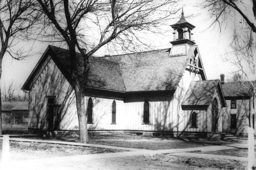 An early photo of the Blair Congregational Church.