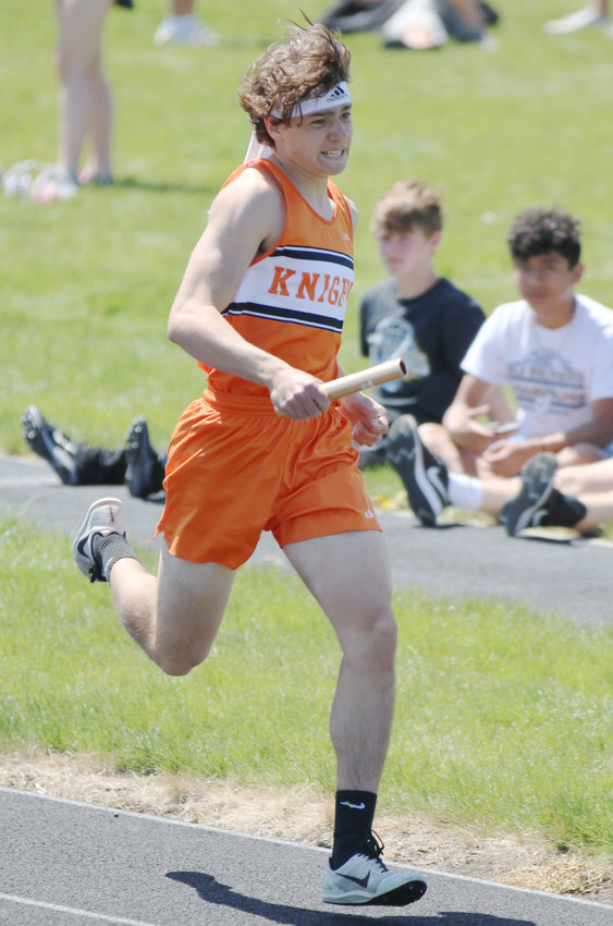 Grady Gatewood took 4th in the 1600m Run at the EHC meet.