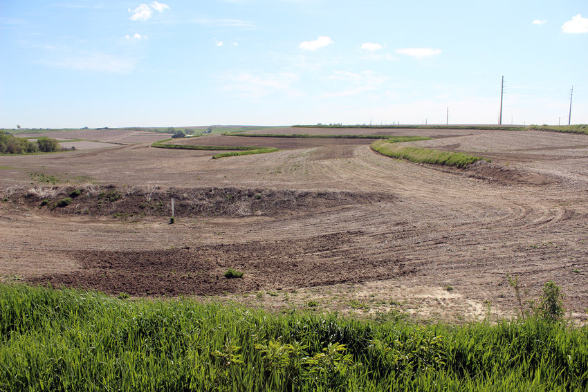 Only about 1.1% of all Nebraskan land is owned by the federal goverment. Much of the remainder, around 48.4 million acres, is not owned by the federal government.