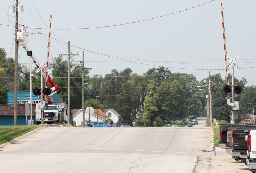 The railroad crossing at North 16th Street will be closed at 8 a.m. Tuesday through 5 p.m. Thursday for repairs.