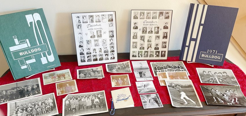 Yearbooks and pictures of the two honored Alumni classes that graduated from Decatur in 1970 & 1971.