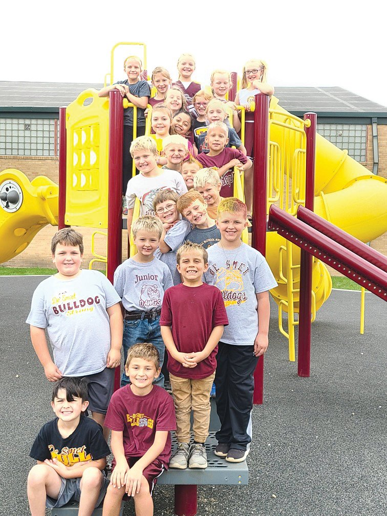 Mrs. Fast's 2nd graders pose for a picture all dressed up in their Bulldog attire to cheer on the football team on Friday.