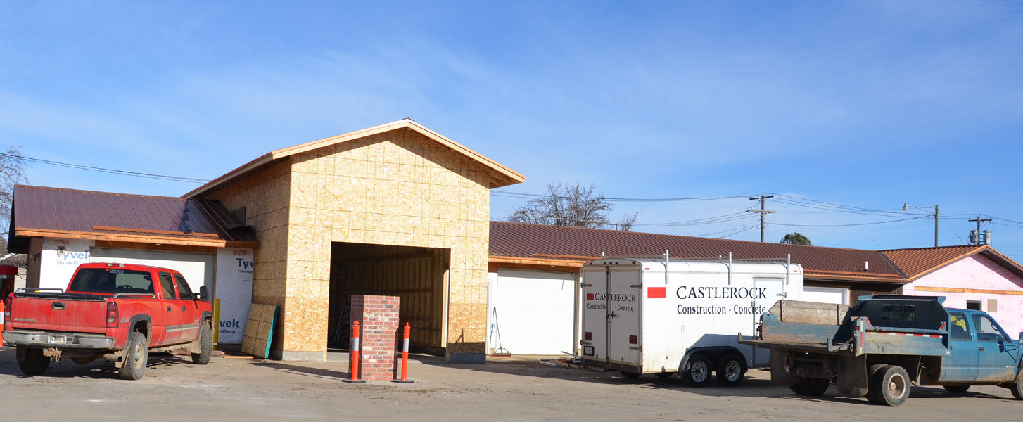 Castlerock Construction is working on an expansion project on a building that will soon house Nimble Wash car wash and a vehicle detailing business. Clint and Brenda Efraimson will also have office space to lease.