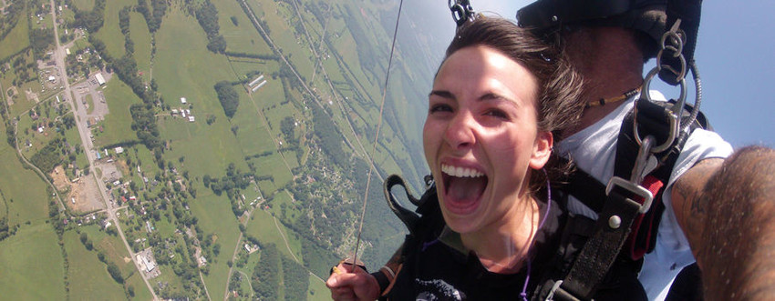 First time tandem jumpers will be taken to 18,000 feet for a 2 minute free fall for the ultimate flying experience!