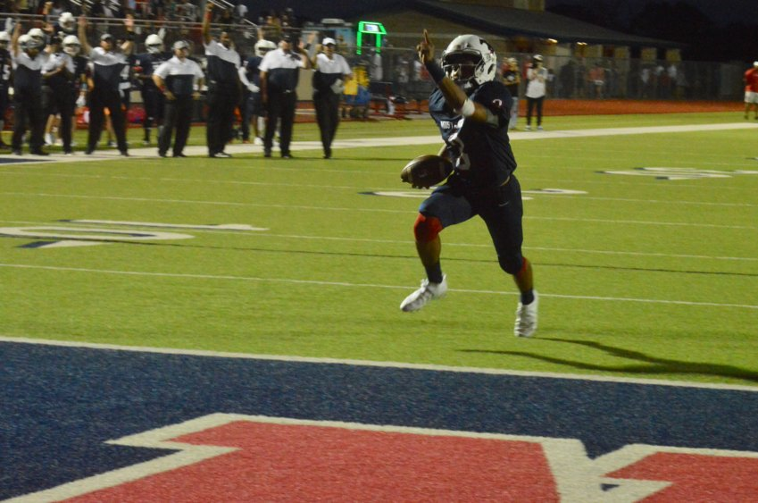 Armando Juarez cruises to Madisonville's first touchdown of the night in a 43-21 victory over Navasota on Homecoming Friday.