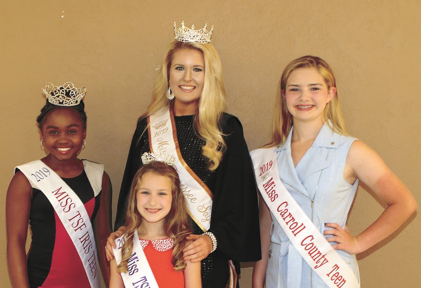 Emma Cate Carr of Martin, Kamille Brooks of Jackson, and Olivia Arnold of Trezevant join Tera Townsend during the meet and greet in Huntingdon.