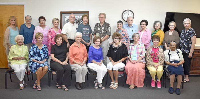 Retired teachers honored at Lakeside (L to R): Front Row — Lela Carter, Nan Stapleton, Nancy Rush, Peggy Coleman, Marian Graves, Geneva Johnson, Karen Camp, Sheila Caudle-Rogers and Geneva Bledsoe; Back Row — Deborah Simon, Paulette Crews, Diana Clark, Jennie Nunamaker, Dennis Blackwell, Mary Walker, Bill Johnson, Louise Murphey, Carol Murphey, Donna Ward, Mona Batchelor, Linda Inman and Betty Wallace.