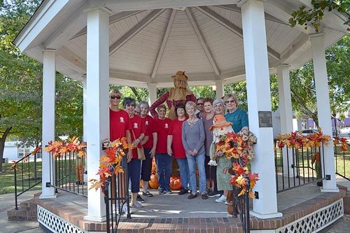 The ladies service organization Beta Sigma Phi spent the last weekend of September decorating the downtown area and the two welcome signs for fall.  Pictured are (L to R): Sharon Hunter, Gail Robb, Jennifer Waldrup, Susan Nelson, Sandra Spires, Fay Garrett, Bonnie Dillon, Amanda Lifsey, Janet Baumgardner, Nellie Hale and Brenda Berryman. Not pictured are Letha Basford, Debbie Broadbent, Lisa Fortner, Karen Fowler, Connie Horner, Peggy Hutchison, Teri King, Karen McCaleb and Karen Moore.