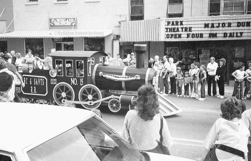 Homecoming '86 Parade, August 30, 1986. Cedar St.