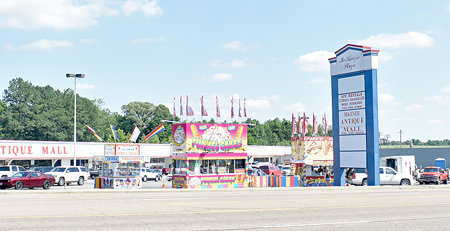 Pope's Concessions set up at the McKenzie Plaza shopping center through the weekend.