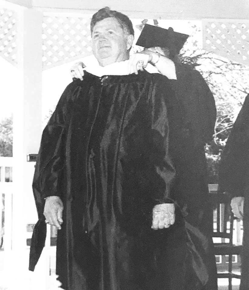 In 2000, for his generosity and benevolence, Bethel College bestowed a Doctorate of Humane Letters upon Ray Morris.