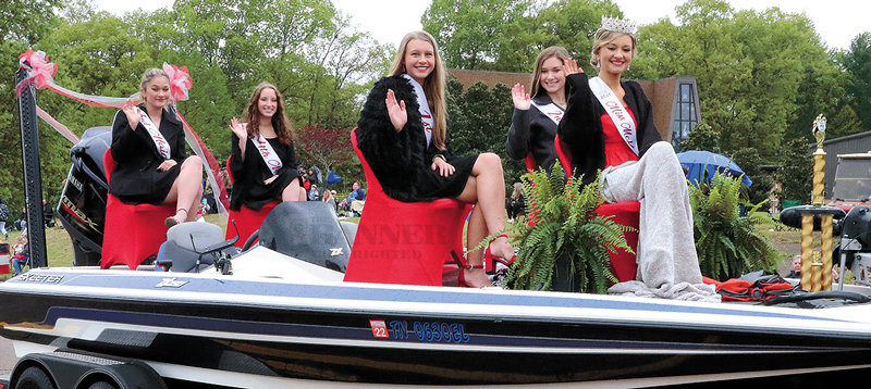 Miss McKenzie — Haley Brasfield - queen, Ashlyn Drewry - first maid, Kaida Walton - second maid, Katie Chesser - third maid and Kamryn Brewer - fourth maid.