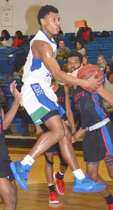 Bevill State's Wanya King drives the lane against Wallace State-Selma during their game this season. King is the Daily Mountain Eagle's sophomore of the year.