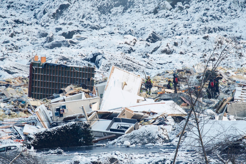 The rescue work continues after the large landslide that destroyed several buildings at Ask in Gjerdrum on Wednesday 30 December. Several homes have been taken by the landslide and seven people have been found dead, while three are still missing..Photo: Terje Pedersen / NTB