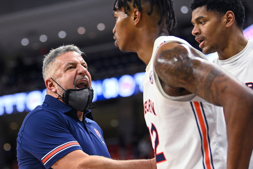 Bruce Pearl's Auburn team dropped a home game to Georgia on Tuesday night.