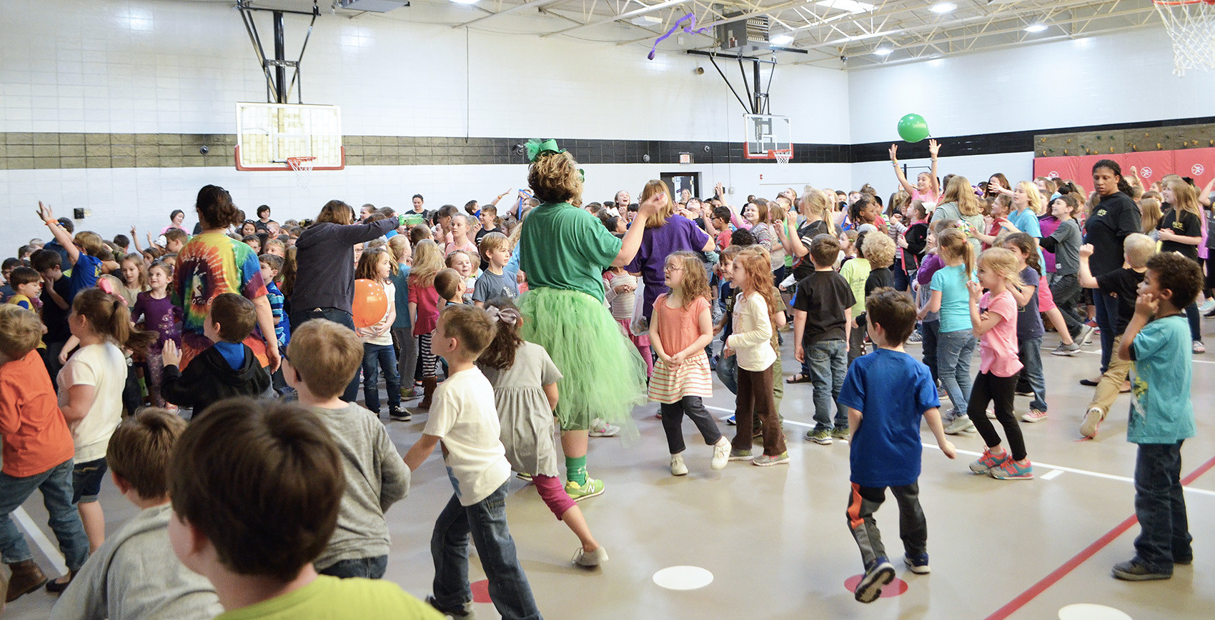 Memorial Park Elementary students enjoyed a pep rally on Friday to kick off their fundraising campaign for a new playground.  Daily Mountain Eagle - Nicole Smith