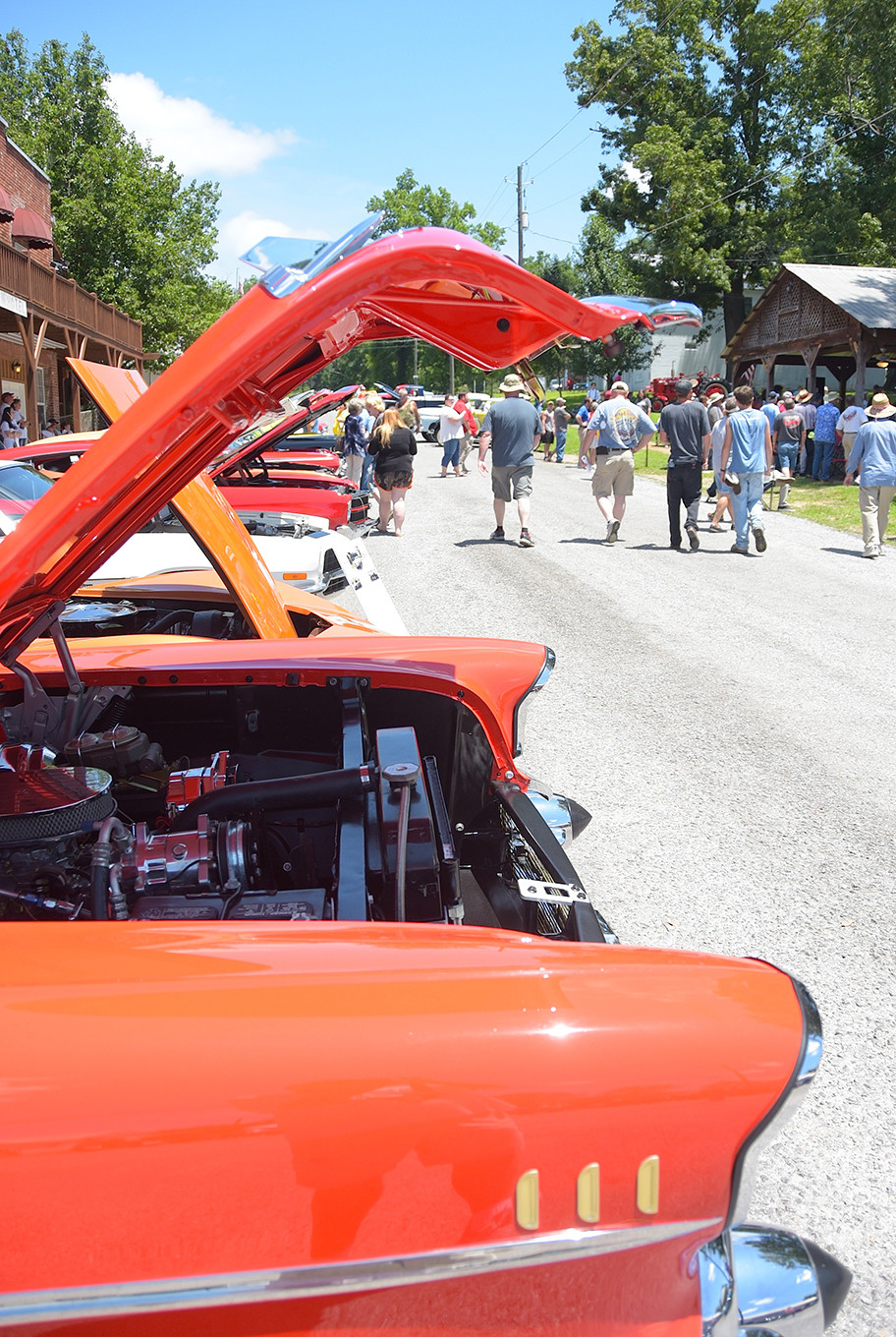 A large crowd was on hand for Saturday's 22nd annual Nauvoo Car Show in Nauvoo.  The event included some of the top antique and show cars from across the state.  Daily Mountain Eagle - Ron Harris