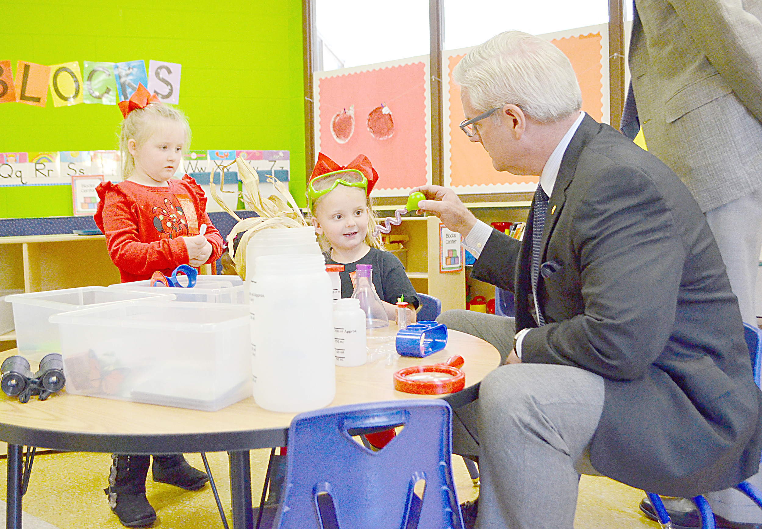 Sen. Greg Reed interacts with students in Parrish Elementary School's new First Class Pre-K classroom Monday. Daily Mountain Eagle - Nicole Smith