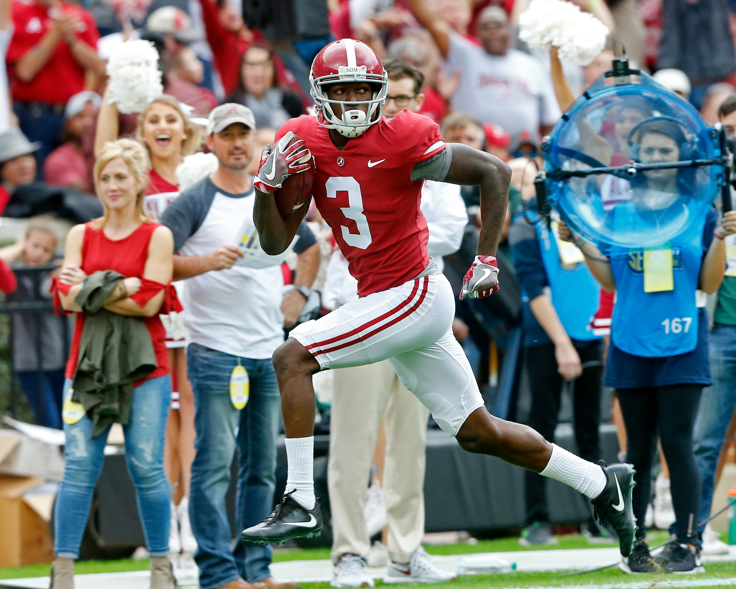 Alabama Crimson Tide wide receiver Calvin Ridley (3) heads for the end zone after pulling in a pass during the 1st half of the game between the Mercer Bears and the University of Alabama Crimson Tide at Bryant-Denny Stadium in Tuscaloosa, Al on 11/18/2017.