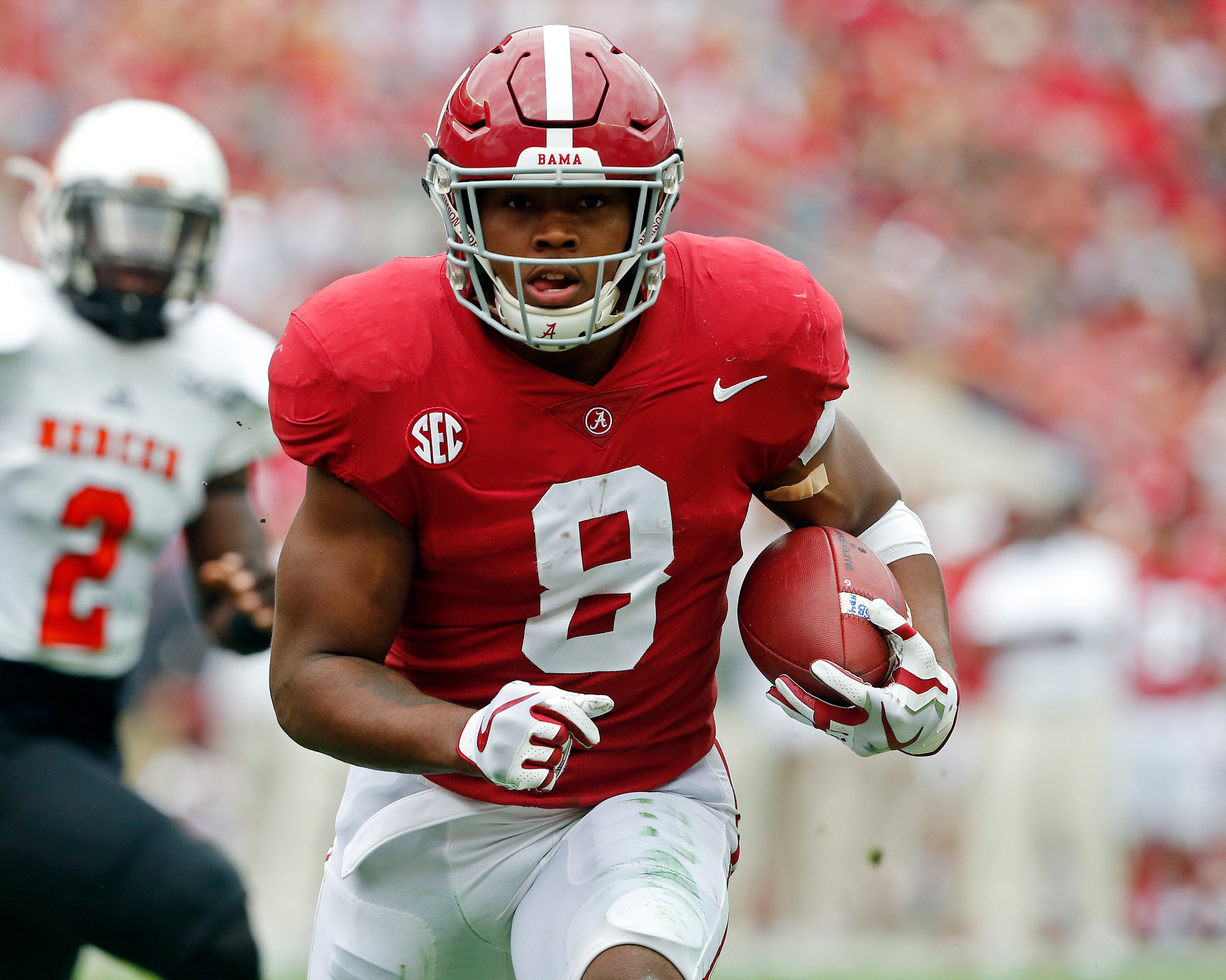 Alabama Crimson Tide running back Josh Jacobs (8) rushes for yardage during the 1st half of the game between the Mercer Bears and the University of Alabama Crimson Tide at Bryant-Denny Stadium in Tuscaloosa, Al on 11/18/2017.