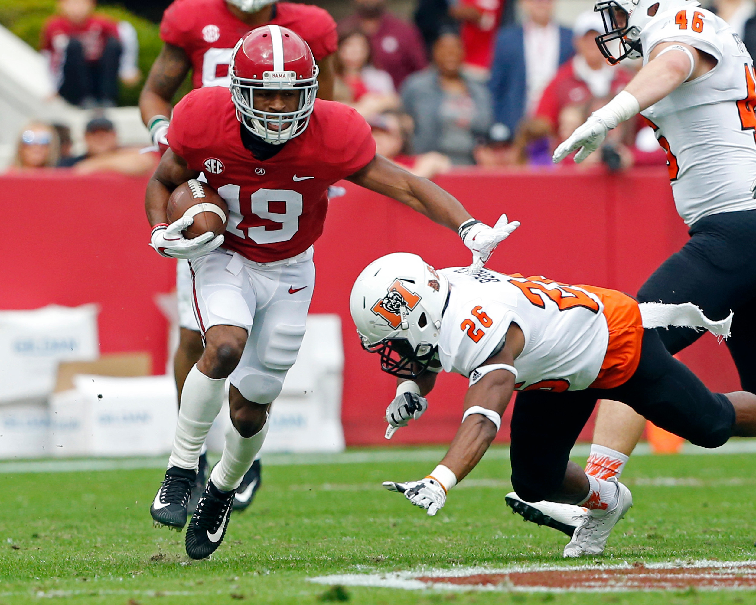 Alabama Crimson Tide wide receiver Xavian Marks (19) returns a punt during the 1st half of the game between the Mercer Bears and the University of Alabama Crimson Tide at Bryant-Denny Stadium in Tuscaloosa, Al on 11/18/2017.