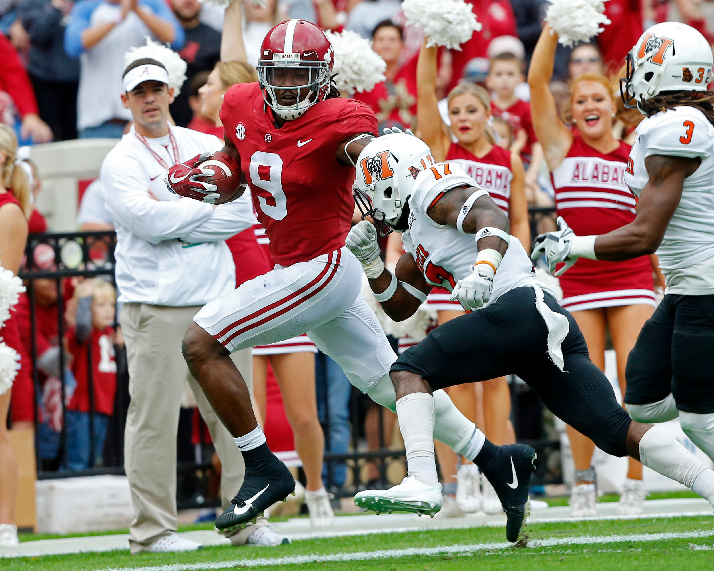 DUPLICATE***Alabama Crimson Tide running back Bo Scarbrough (9) rushes for a big gain during the 1st half of the game between the Mercer Bears and the University of Alabama Crimson Tide at Bryant-Denny Stadium in Tuscaloosa, Al on 11/18/2017.