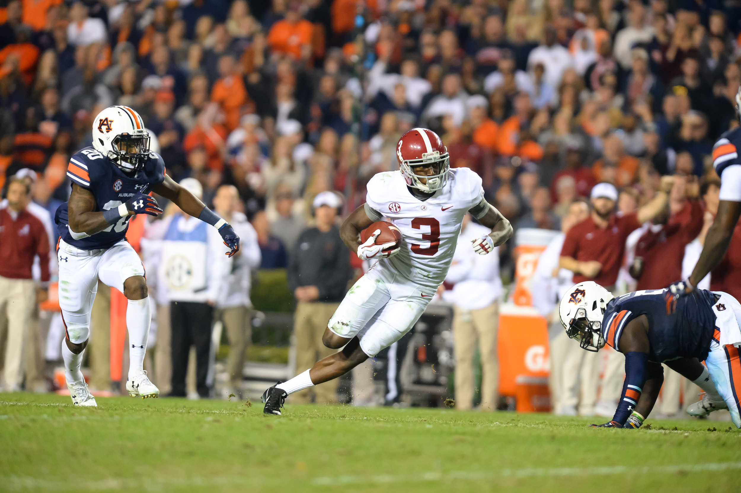 Alabama Crimson Tide wide receiver Calvin Ridley (3) runs after making a catch during the second half of Saturday's game, at Jordan-Hare Stadium.