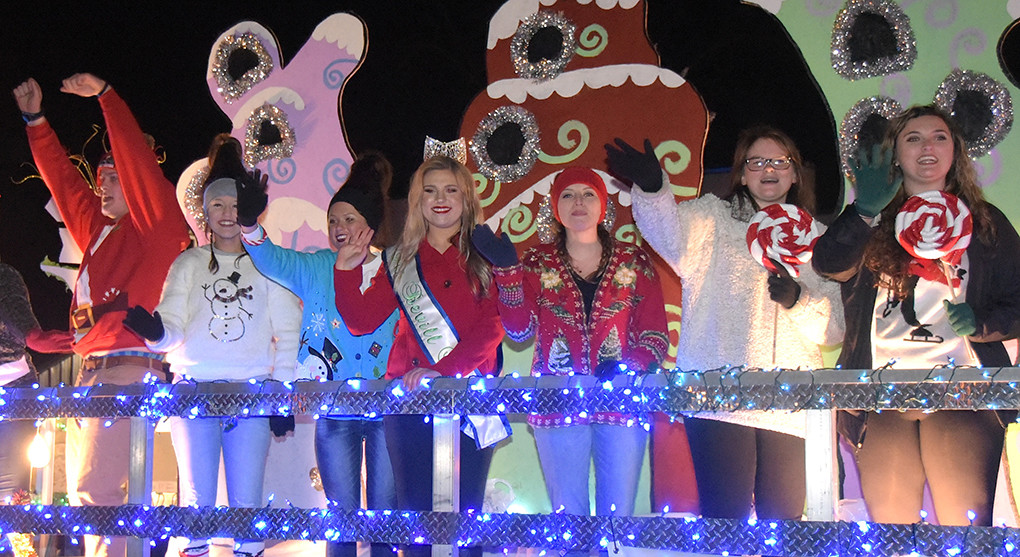 The continued threat of rain Tuesday night has forced officials with the Chamber of Commerce of Walker County to postpone this year's Christmas parade in downtown Jasper until Thursday night beginning at 6:30 p.m. The parade will leave from the old Walker High School on Viking Drive.