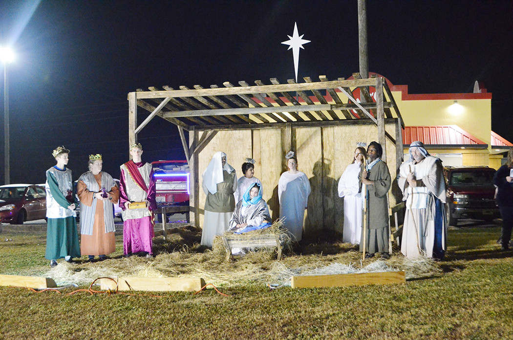 A live nativity was held in Parrish Friday night in front of Jack's Hamburgers on Alabama 269 South. The live nativity will continue today at 1:30 p.m., 3 p.m., 5 p.m., and 7 p.m.