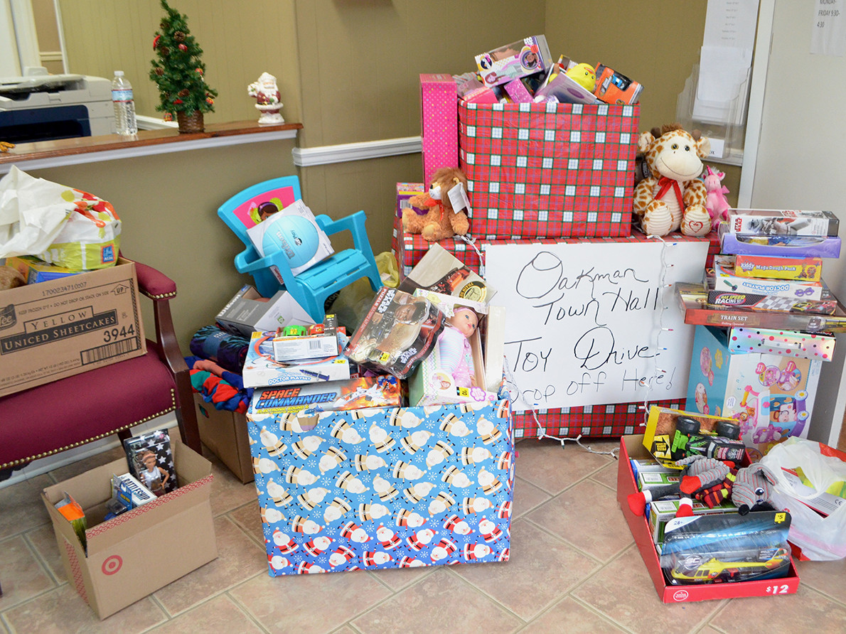 The Town of Oakman is continuing to collect items for their toy drive. The deadline to donate items at Oakman Town Hall, Oakman Senior Center or Oakman's Dollar General is this Friday by the end of the day.