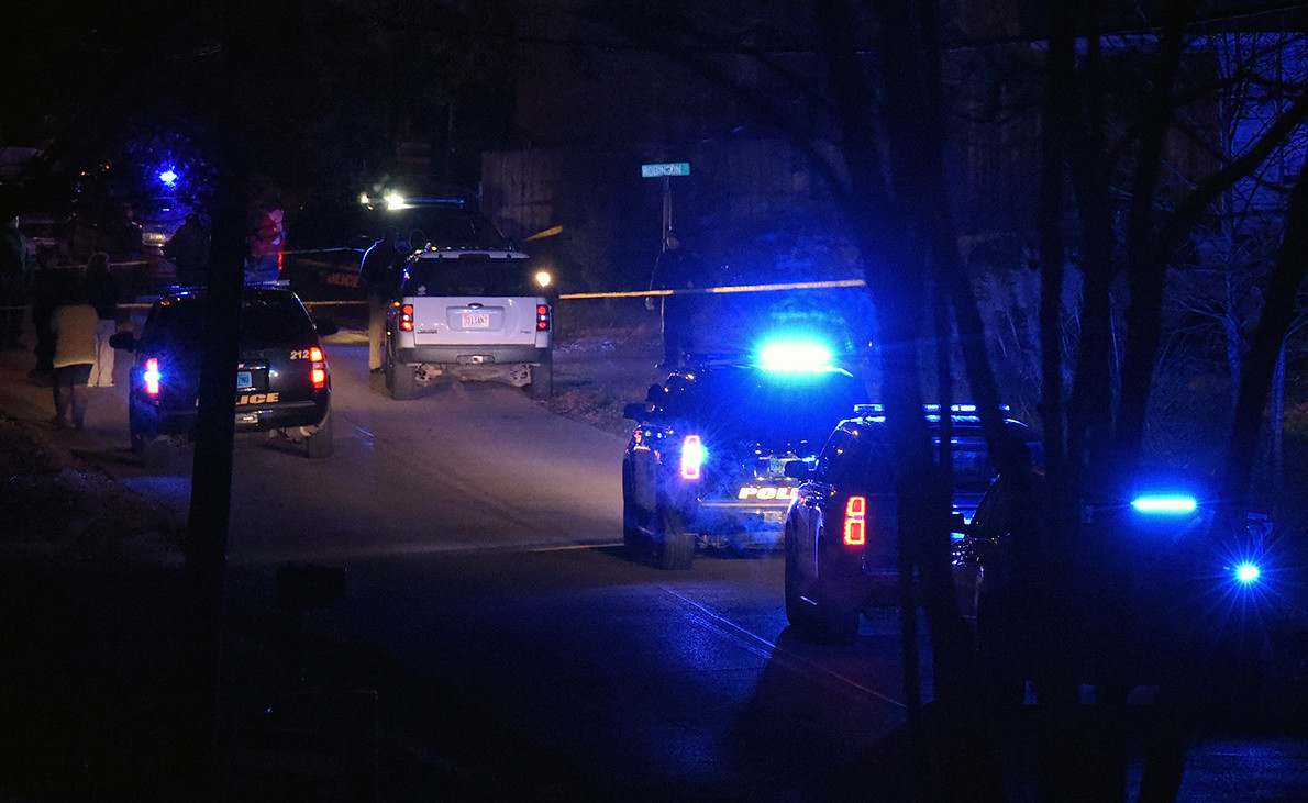 Jasper police were on the scene of a deadly shooting at a home at the corner of Wright Street and Robinson Street near downtown Jasper Sunday night. One person was taken into custody.