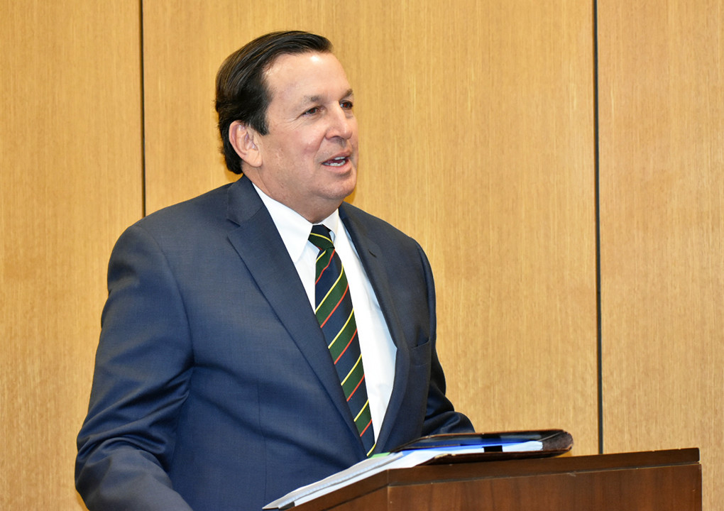 Birmingham attorney Jeff Friedman speaks at Monday's meeting of the Walker County Commission.