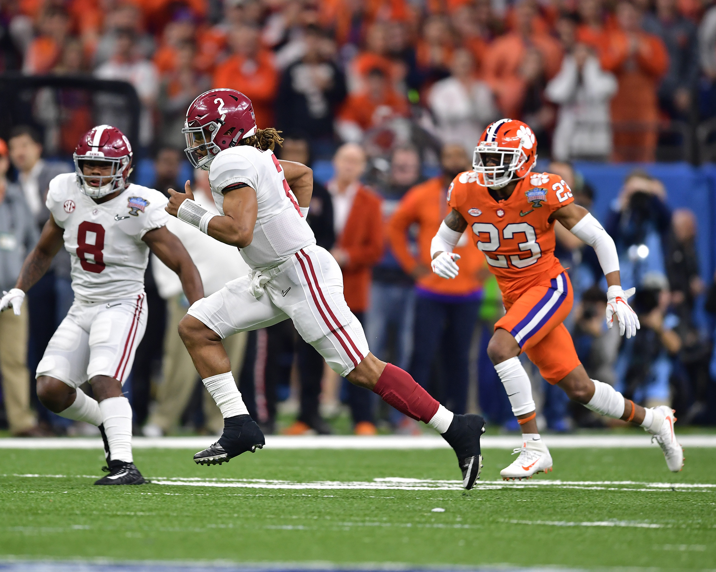 Alabama Crimson Tide quarterback Jalen Hurts (2) with a quarterback keeper in the first half of the 2018 AllState Sugar Bowl on Jan. 1, 2018, at the Mercedes-Benz SuperDome in New Orleans, La. Alabama won the game 24-6. (Photo by Lee Walls)