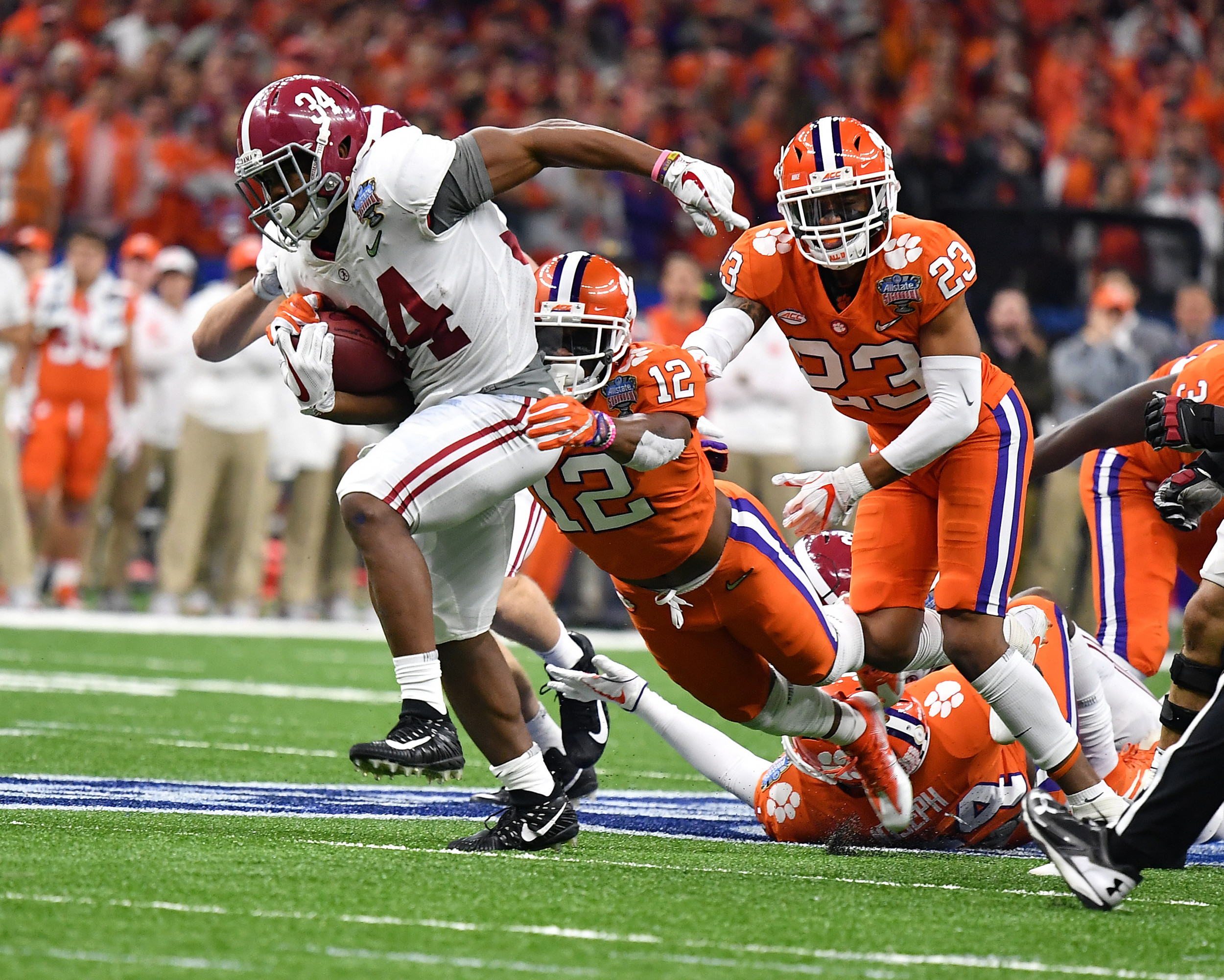 Alabama Crimson Tide running back Damien Harris (34) during the first half of the 2018 AllState Sugar Bowl on Jan. 1, 2018, at the Mercedes-Benz SuperDome in New Orleans, La. Alabama won the game 24-6. (Photo by Lee Walls)