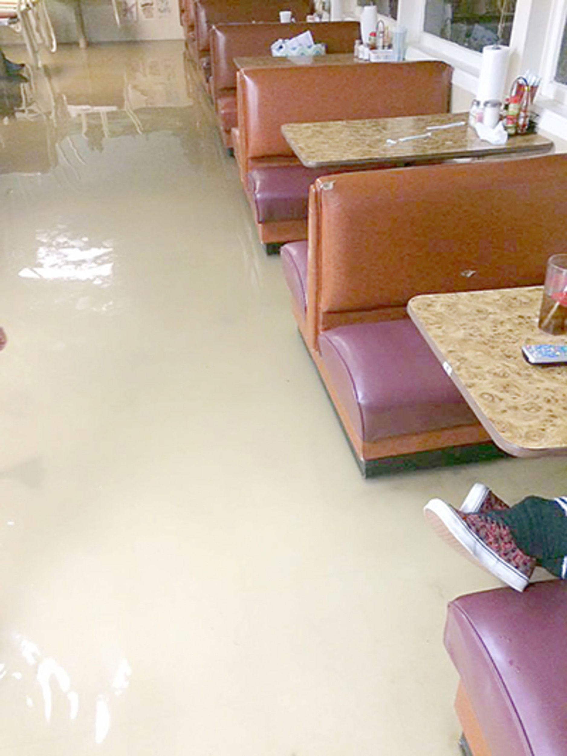 Etonnant Carbon Hill Business Flooded By Heavy Rain On Christmas Day | Daily  Mountain Eagle