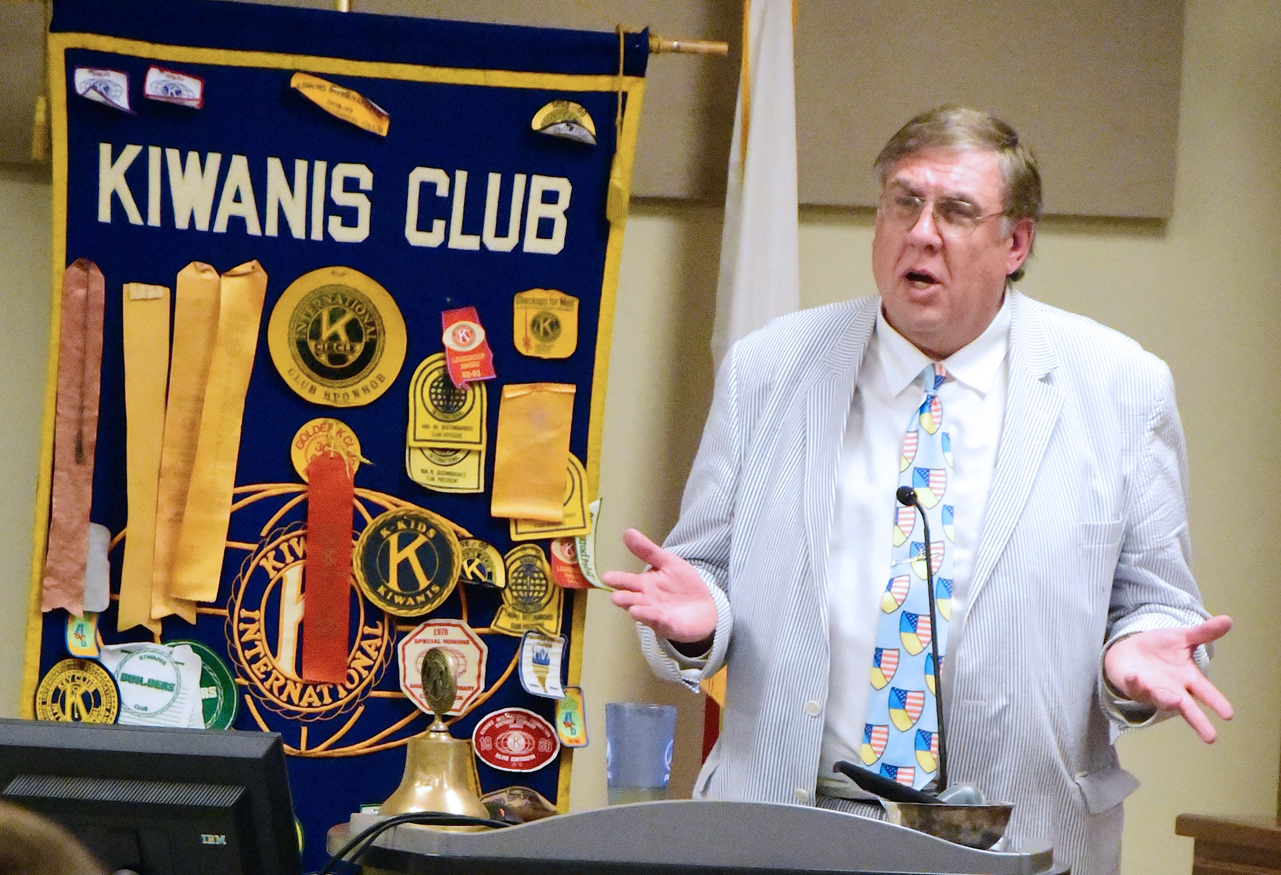 Scotty Colson, director of Alabama's Sister Cities International Program, was the guest speaker at Monday's meeting of the Kiwanis Club of Jasper. The city is in the process of joining the Sister Cities program.  Daily Mountain Eagle - Ron Harris