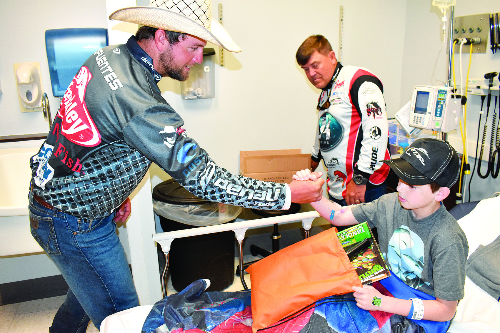 FLW anglers greet hospital patients, staff | Daily Mountain Eagle