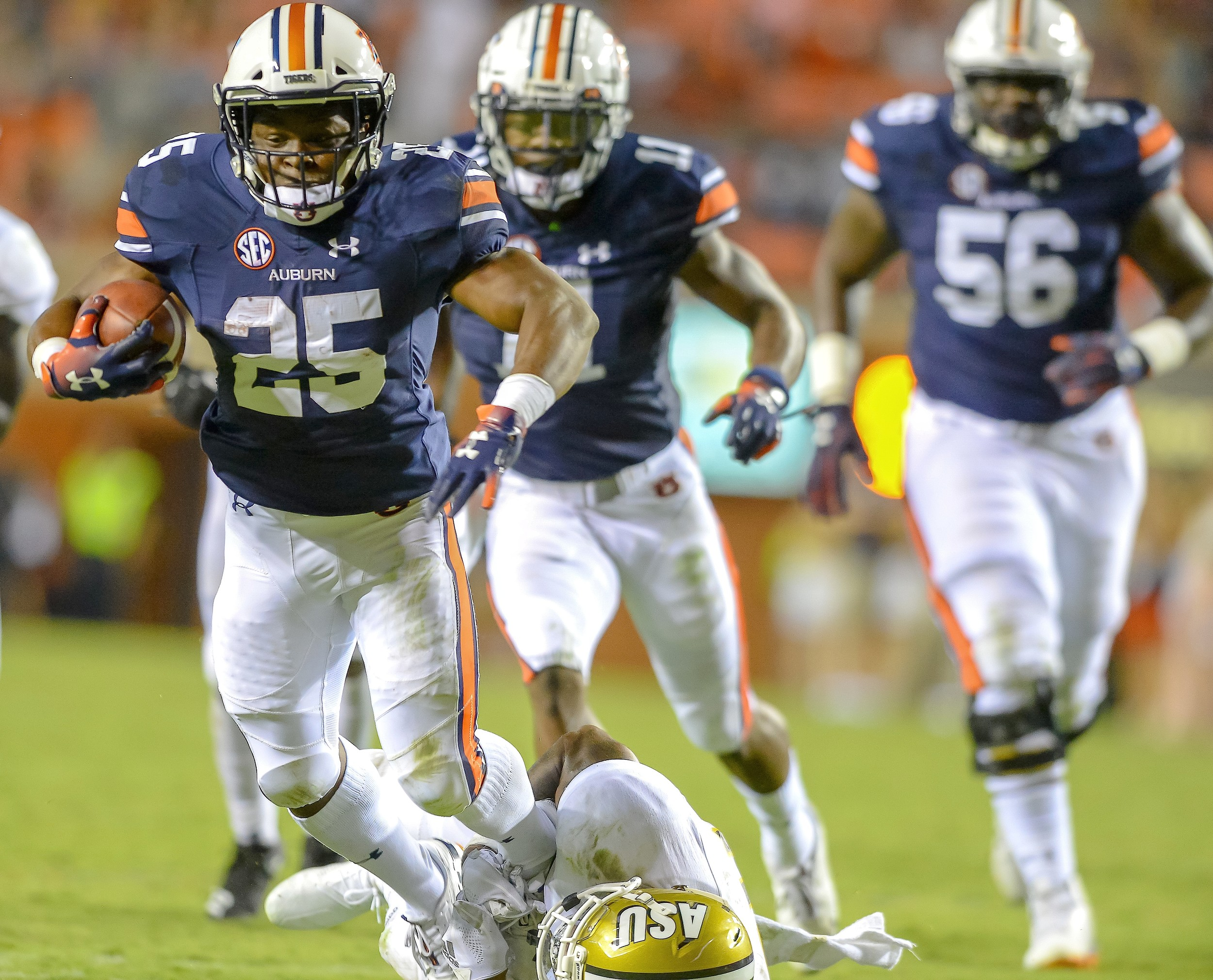 Auburn's Shaun Shivers (25) runs during the second half of Saturday's game against Alabama State at Jordan Hare Stadium. The Tigers won their home opener 63-9.