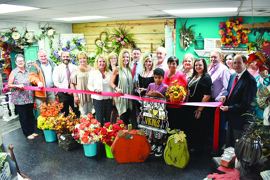 The Rustic Rose Flowers & Gifts in Jasper held a ribbon-cutting last week, with community leaders coming to celebrate the business.